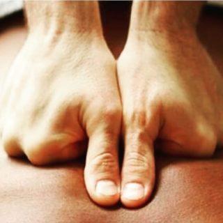 Terapia de Masajes para eliminar dolores musculares. Tambien masajes super relajantes ... pues, en estos días quien no tiene stress ? Llama ahora: 686 57 60 91 #Relax #Masaje #SPA #Sindolor #Terapia #MasajesHermosilla #masajesrelajantes #Massage