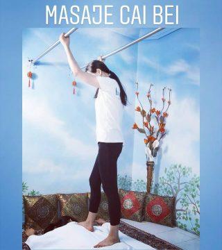 CAI BEI, masaje hecho con los pies: Existen muchos estilos diferentes de masaje realizado con los pies descalzos que tienen su origen en la India, Japón, Tailandia, Filipinas y China INFO: 686 57 60 91 #caibei #caibeimassage #massage #masajeconpies #pisarespalda #Madrid #Masaje Web: https://masajes-xiaoying-madrid.com/masaje/masaje-con-los-pies-cai-bei/